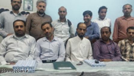تجزیه و تحلیل امتحانات نهایی و تجلیل از دبیران تلاشگر در دبیرستان ابوریحان هشتبندی